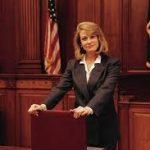 وکیل حقوقی خانم