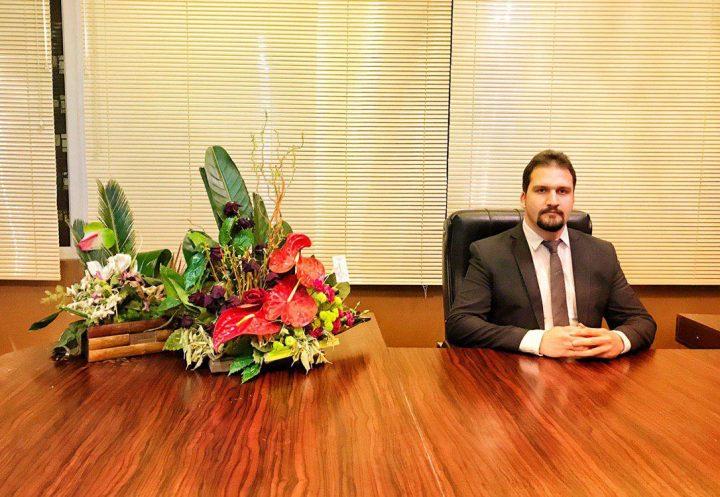 """دفتر حقوقی """" وکالت """" در مشهد ۰۹۱۵۲۰۵۵۹۸۶"""